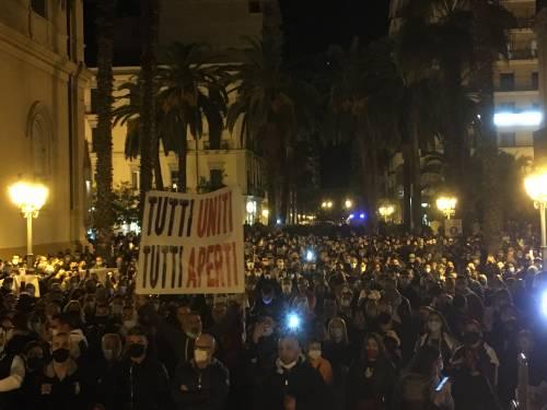Taranto, la manifestazione anti-lockdown 6
