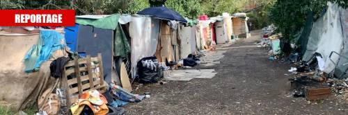 Baracche e cumuli di spazzatura: l'ex caserma militare in mano ai rom