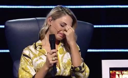 Anna Tatangelo scoppia in lacrime in tv. La Hunziker costretta a intervenire