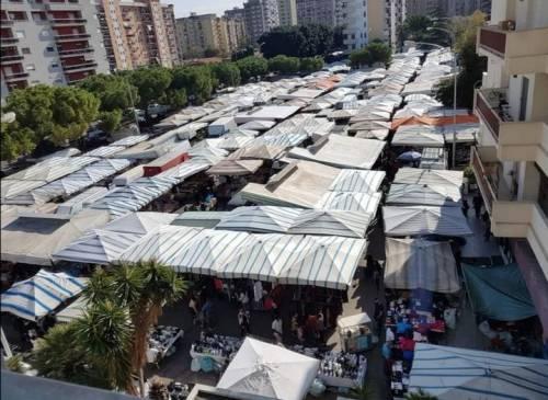 Assalto a spiaggia e mercatini: ecco Palermo in zona arancione
