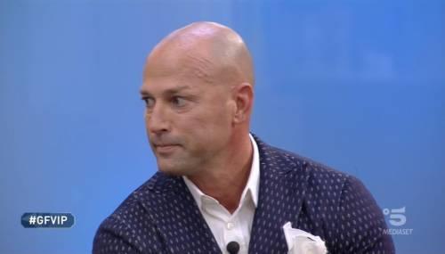 Gf Vip, Stefano Bettarini squalificato a 72 ore dal suo ingresso per una bestemmia
