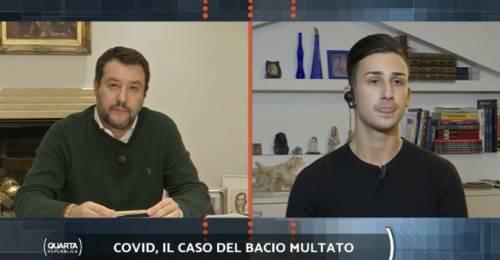 """Bacia la sua fidanzata e viene subito multato Salvini: """"Paghiamo noi"""""""