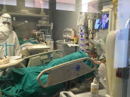 Bari, le immagini della seconda ondata nella terapia intensiva 6