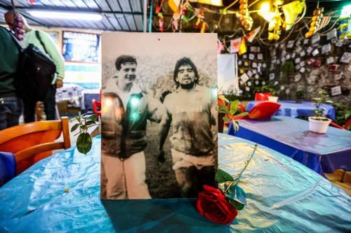 Napoli piange il suo mito Diego Armando Maradona