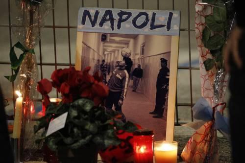 Napoli piange il suo mito Diego Armando Maradona 14