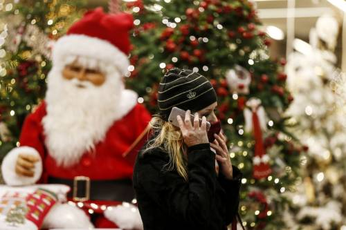 Dagli hotel di montagna chiusi alle feste solo tra conviventi: ecco le misure per Natale e Capodanno
