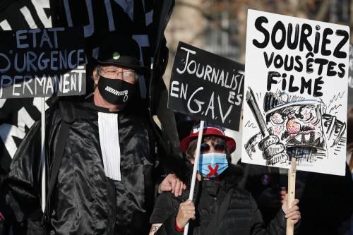 Manifestazioni e incidenti in Francia: le immagini delle proteste 3