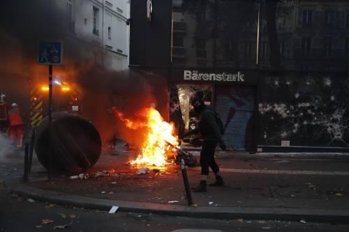 Manifestazioni e incidenti in Francia: le immagini delle proteste 4
