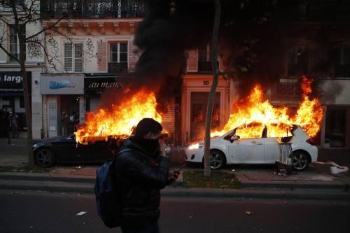 Manifestazioni e incidenti in Francia: le immagini delle proteste 5