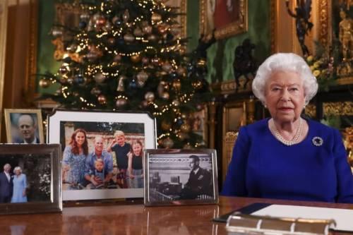 La gaffe di Carole Middleton di fronte alla regina Elisabetta