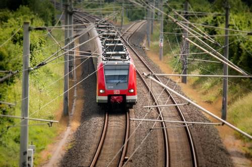 """Dalla Svizzera schiaffo ai frontalieri italiani. """"Stop ai treni, dpcm con regole troppo severe"""""""