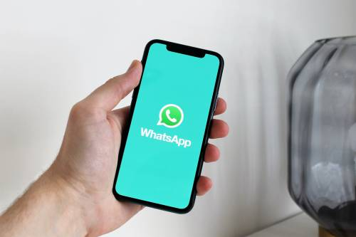 WhatsApp cambia i vocali: ecco come