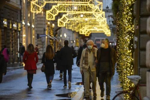 Tre ipotesi per il lockdown: oggi si decide cosa può succedere a Natale