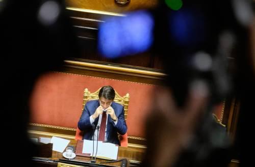 """Conte sfida Renzi: """"Non ho la fiducia? Andiamo in Parlamento..."""""""