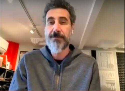 """L'appello di Serj Tankian: """"Aiutate l'Armenia"""""""