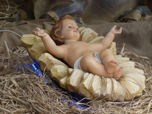 Virologi e dpcm fanno sparire Gesù dal Natale