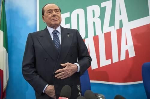 """""""Berlusconi sale nei sondaggi, da grande saggio convince gli italiani"""""""