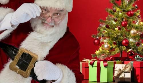 Il Babbo Natale.Chi E Davvero Babbo Natale Ecco I Migliori Film Sulla Sua Storia Ilgiornale It