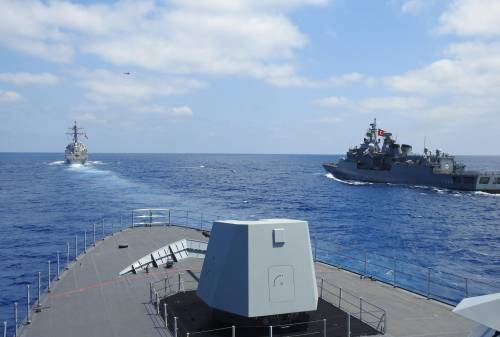 Navi in azione e soldati in Libia: Erdogan blinda il Mediterraneo