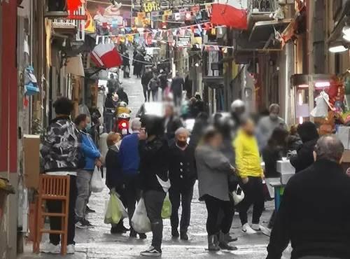 De Luca soffoca la Campania, ma non l'illegalità