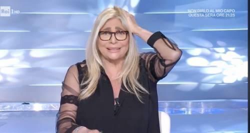 """Il dietrofront di Mara Venier: non lascia la conduzione di """"Domenica In"""""""