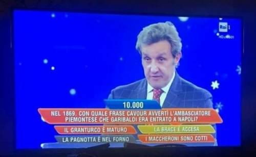 """Clamorosa gaffe di Insinna a L'Eredità: """"Ignoranti"""""""