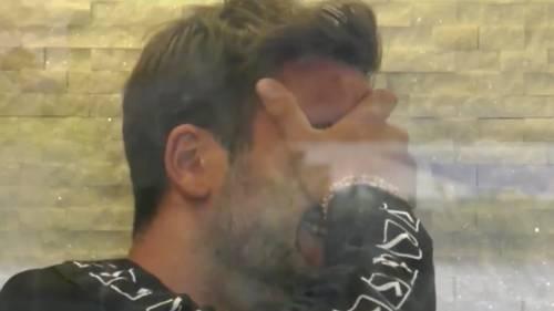 Pierpaolo Pretelli si avvicina a Giulia Salemi e nasconde la foto della Gregoraci