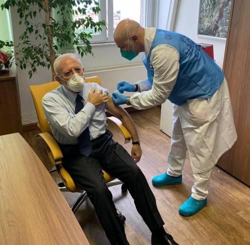 Lite furiosa Arcuri De Luca sulla distribuzione del vaccino