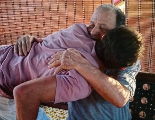 Grave lutto per Gianni Sperti, morto il padre. L'addio su Instagram