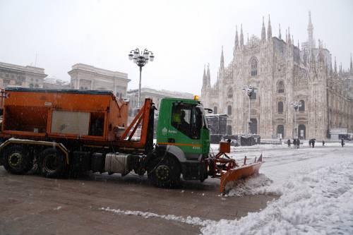 """La neve chiude le strade del Nord in """"arancione"""""""