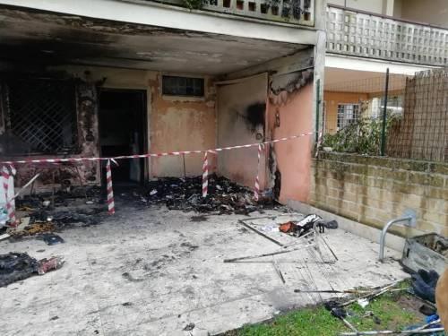 """Tragedia a Capodanno, una coppia perde la casa: """"È stato un petardo"""" 5"""