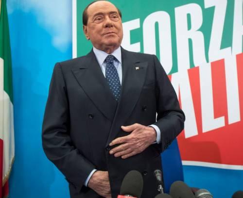 """Berlusconi tranquillizza: """"Sto bene, ma preoccupato per gli italiani"""""""
