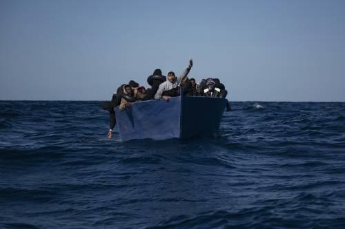 Ora il cavillo spalanca le coste Perché l'invasione è alle porte