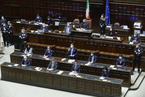 Conte ha la fiducia alla Camera Ma adesso trema per il Senato