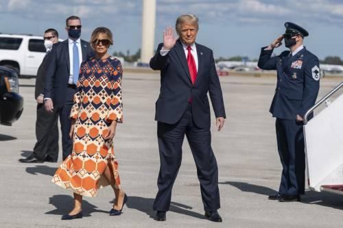 """Il saluto-comizio dell'ultimo Trump: """"Auguri a Biden. Ma ritorneremo"""""""