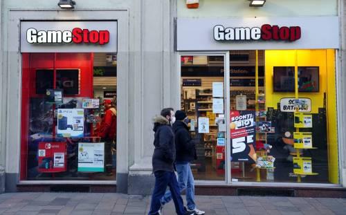 """Gamestop """"espelle"""" l'ad. E Wall Street festeggia"""