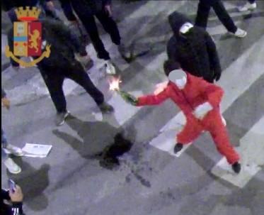 Proteste anti dpcm, misero Firenze a ferro e fuoco: scattano arresti e denunce