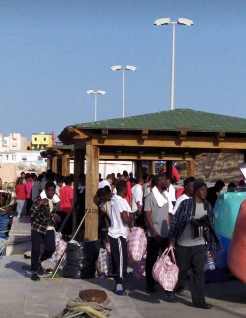 Nuovo esodo verso Lampedusa: 300 migranti sbarcati nelle ultime ore