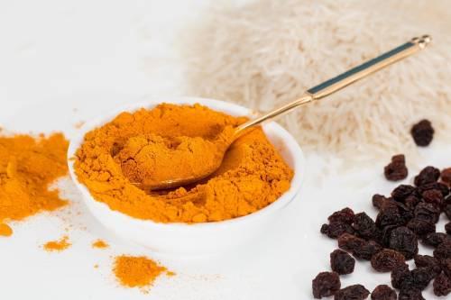 Curry, proprietà e controindicazioni del mix di spezie