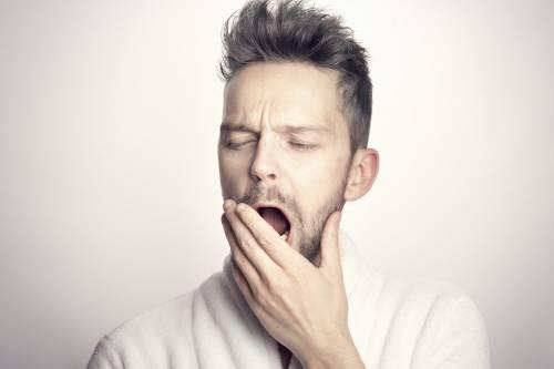 Sindrome da stanchezza cronica: i sintomi persistenti post Covid-19