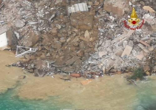 Frana su cimitero di Camogli, bare in mare 7