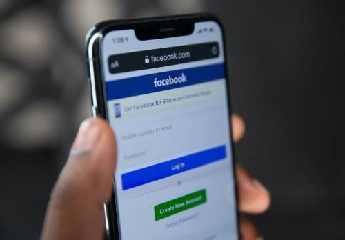 Ora Facebook vuole anche le informazioni sulla nostra salute