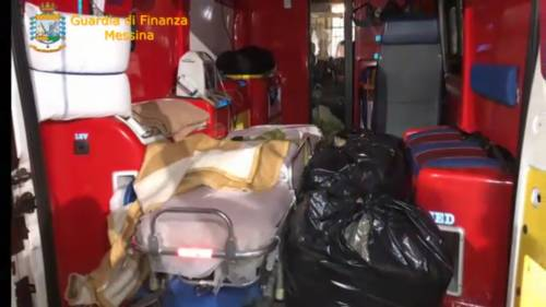 Corrieri col reddito 5s spacciavano la droga a bordo dell'ambulanza
