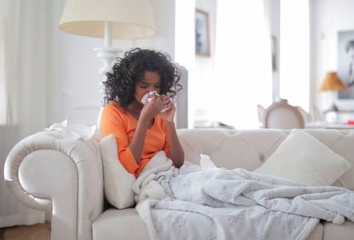 Allergia: dai pollini ai farmaci, tutti i sintomi e come controllarli