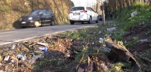 Polizia insegue rapinatori e travolge un'automobile: 14nne morta in incidente