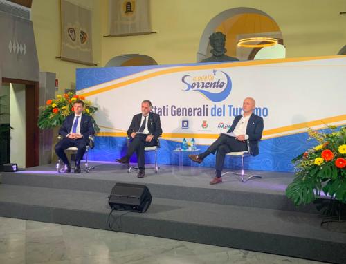 Vaccini, tamponi e tracciamento: così Sorrento vuole salvare il turismo