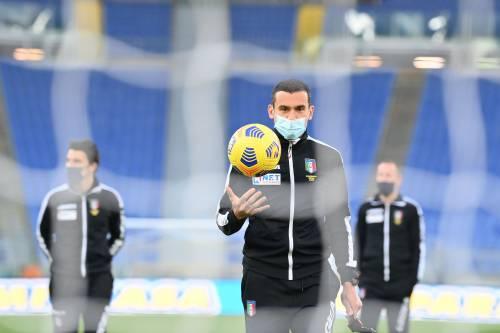 Un'altra gara fantasma. Lazio-Toro storia diversa. Calcio fermo alle parole
