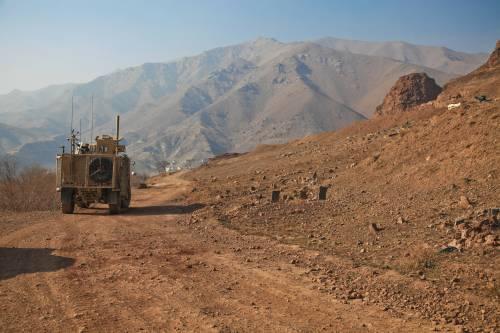 """Afghanistan, Guerini: """"In caso di ritiro proteggeremo gli interpreti"""""""