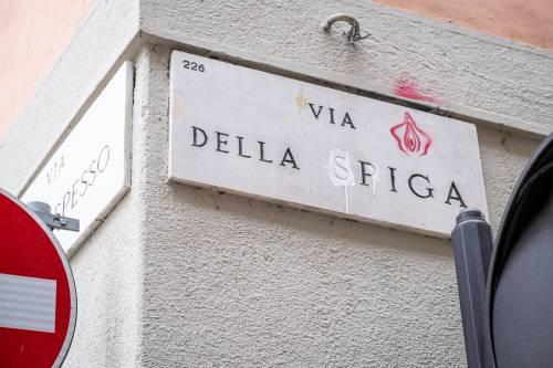 """""""Toponomastica femminista"""", blitz di Non una di Meno a Milano"""