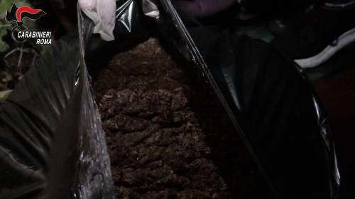 Le immagini dello spaccio nel centro di accoglienza riprese dai carabinieri 3